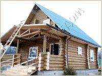 Деревянный полутороэтажный дом