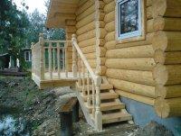 Крыльцо деревянной бани